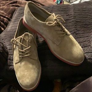 Hush Puppies Shoes - NWOT UNISEX HUSHPUPPIES